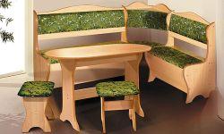 Зелёный уголок, столик и стул